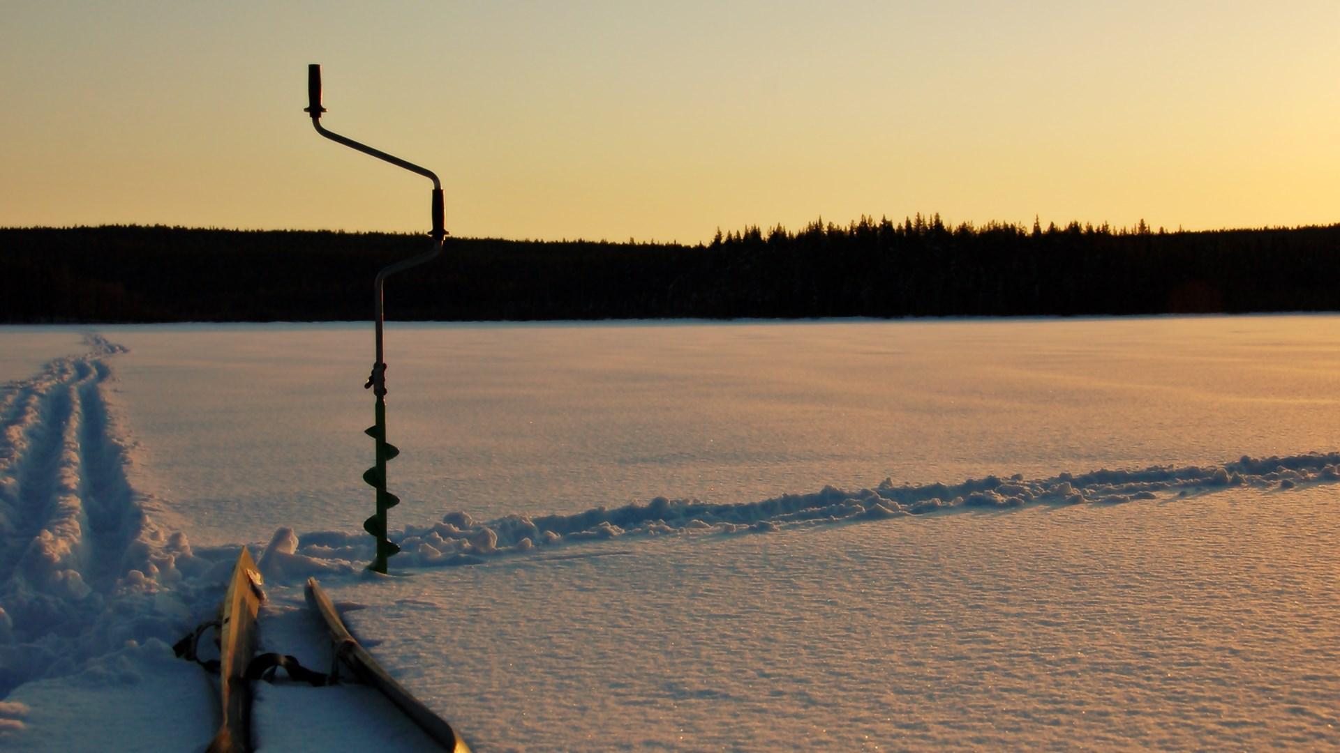 Что необходимо для зимней рыбалки