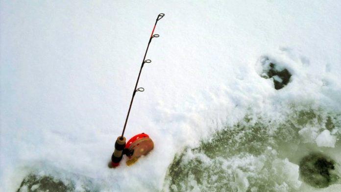 Зимняя удочка для ловли судака